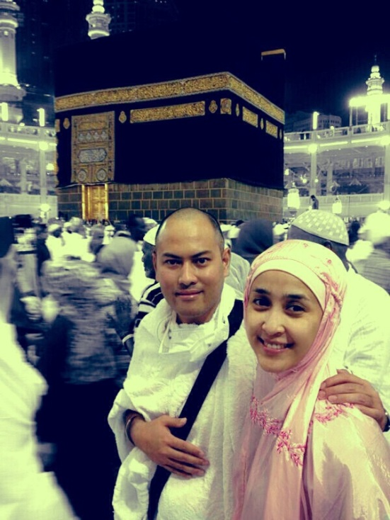 Di depan Kabah selepas Umrah Sunnah