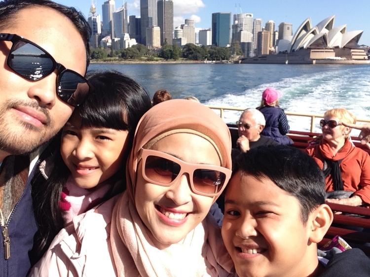 Ferry Ride menuju Taronga Zoo